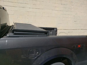 Tonneau hard cover F-150 6.5 ft
