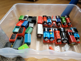 Thomas Trackmaster. 13 Trains and loads of track.