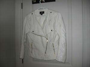 Manteau de printemps neuf  pour femme