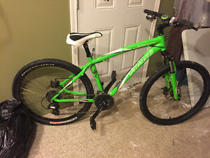 WANT GONE TODAY, SPECILIZED MOUNTAIN BIKE