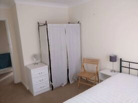 Double room in central Poole
