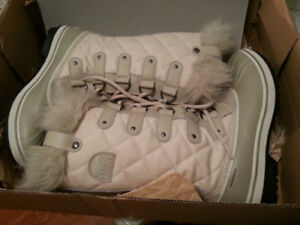 Brand New  - Special Edition, Cream Joan of Arc  Sorel Boots