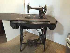 1890's Eldredge B Treadle Sewing Machine in cabinet Strathcona County Edmonton Area image 2
