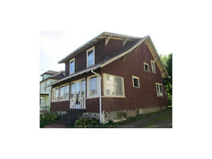 318 HIGH ST, WALKING DISTANCE TO DOWNTOWN! $115,000 WHY PAY RENT