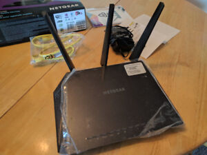 Netgear Nighthawk AC1900 Smart Wifi Router Mint Condition