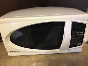 Danby microwave - excellent condition