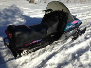 377 cc Ski doo Safari Deluxe 1994