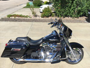 2004 Harley Davidson Road King Custom with S&S T111 Motor