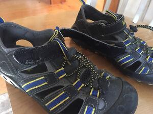 Kamik boys sandals US size 2 - EU 34