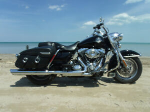 2009 ROAD KING CLASSIC , LOW K , 1 OWNER