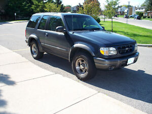 1999 Ford Explorer Sport SUV, Crossover