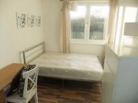 4 double bedroom flat with balcony minutes from Kennington station- Ideal for shares and students