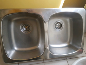 Double Sink and Faucet for Kitchen