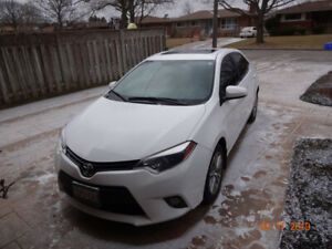 Toyota Corolla 2014 white with sunroof
