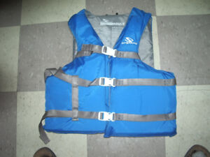 Stearns life jacket size adult
