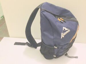 (Shoulder Backpack) 16 '' Crossbody Pack 4 Cyclists, Travel