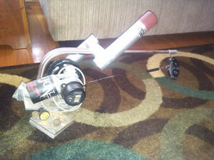 SOLD PENDING PICK UPBig Jon Electric Downrigger w/optional mount