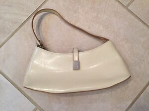 Cream purse   London Ontario image 1