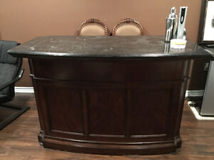 STAND ALONE BAR WITH MARBLE TOP