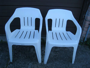 2 white Heavy Duty Plastic patio Chairs, good condition