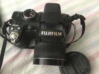 Fujifilm FinePix S4000 Bridge Camera