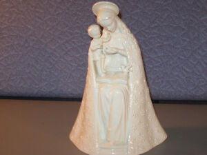 Hummel, Goebel Figurines Madonna Marry & Child 8 Inch 10/1