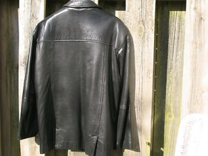 Modern Danier Black Lambskin 3/4 length zipper Jacket London Ontario image 2