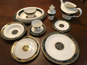 Royal Doulton China Set - Carlyle (53 pieces)