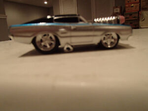 LOOSE MUSCLE MACHINES BLOWN 1966 DODGE CHARGER  1:64 Sarnia Sarnia Area image 1