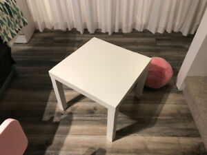 Table et chaise d'enfant