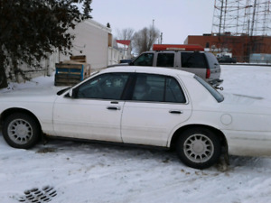 2000 ford crown victoria $1000