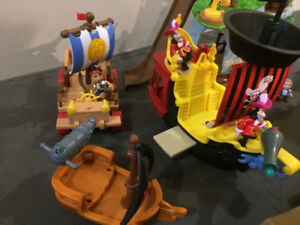 Jake and the Neverland Pirates - figures and accessories