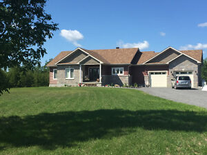 6 month old beautiful bungalow on 1.7 acres, 3+2, Carleton Place