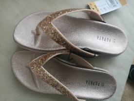 Size 3 flip flops