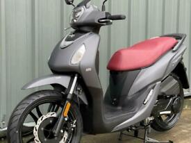 Sym Symphony 125cc big wheel automatic learner legal moped Scooter For Sale