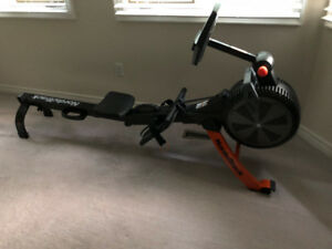 NORDICTRACK RW200 ROWER PRISTINE LIKE NEW CONDITION