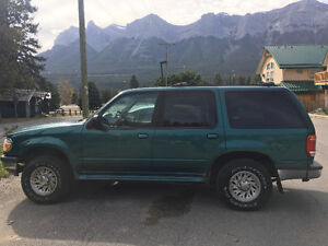 1998 Ford Explorer XL 4X4