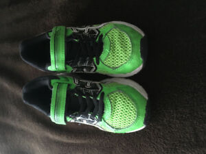 Boys sneakers size 13