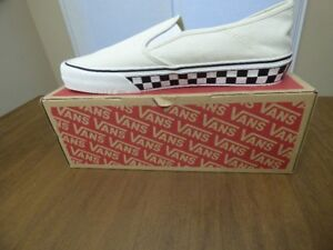 BNIB Vans Classic Slip-on Shoe w Checkered Sole - Sz 12