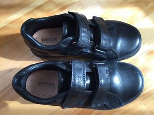 LIKE NEW! Geox Respira boys shoes West Island Greater Montréal image 1