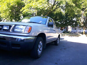 A RARE 99 LOW MILEAGE NISSAN FRONTIER  PICKUP WITH CRUISE/AC