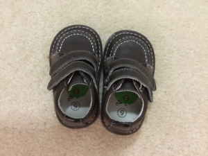 Wee Squeak Size 5 Brown Kid's Shoes