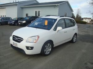 2009 KIA RONDO EX HATCHBACK $4000 TAX IN CHANGED IN UR NAME