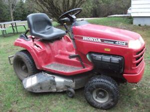 tracteur a gazon honda model h4514h