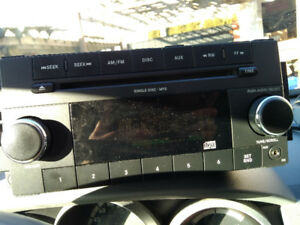 2010 Dodge Grand Caravan Am Fm Single Disc Radio Cd Player P6802