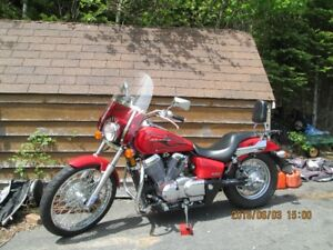 2007 Honda Shadow Spirit 750 Motorcycle VT750C2