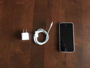 iPhone 5c 16GB | White St. John's Newfoundland image 4