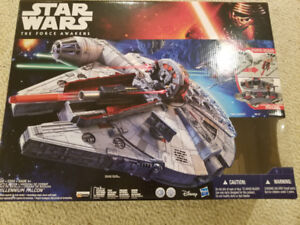 Star Wars Millenium Falcon nerf model with additional figures