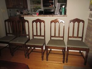 Antique table, 6 chairs and corner hutch Kitchener / Waterloo Kitchener Area image 7