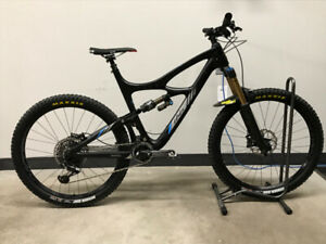 2017 Ibis Mojo HD3 Enduro Mountain Bike - LIKE NEW!!!! <80kms